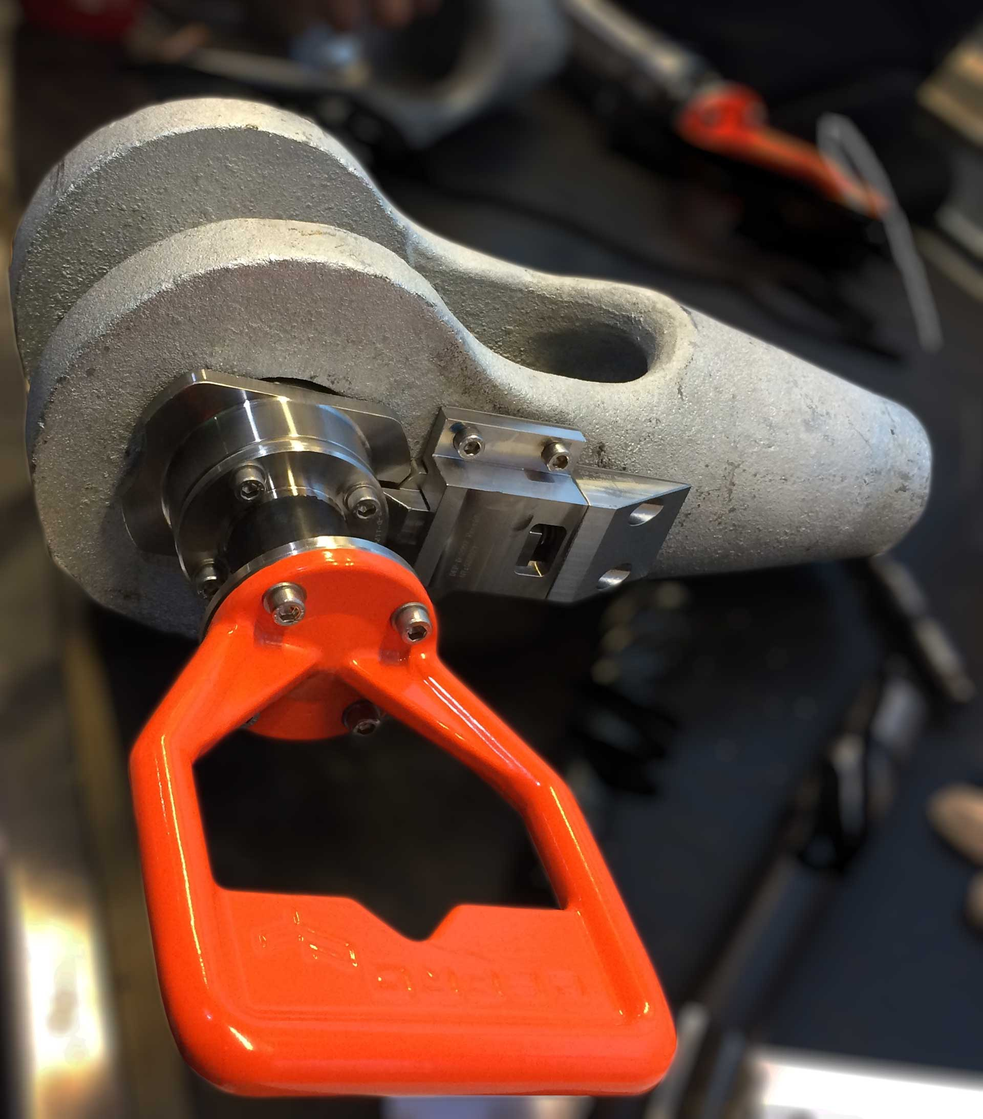 Shackle 30T designed for lifting operations, and remote operated with ROV.